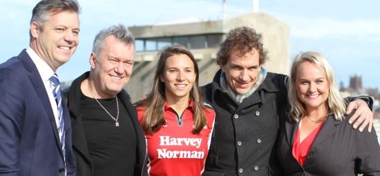 City extends warm welcome to Cold Chisel stars