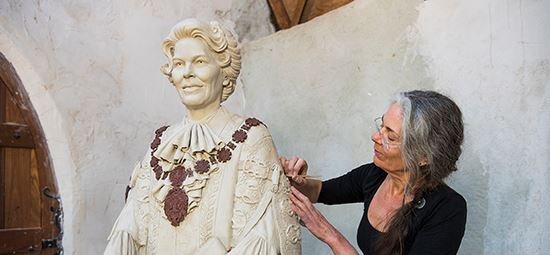 Pioneering civic leader to be immortalised in bronze