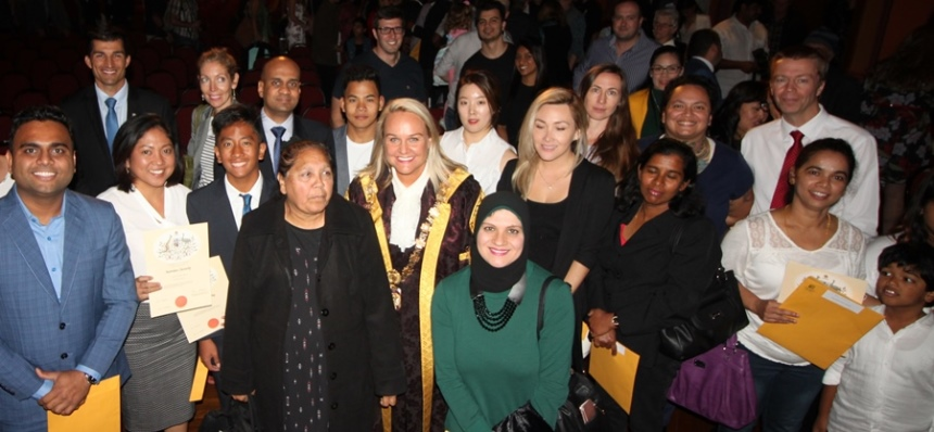 May-Citizenship-ceremony-group-shot.jpg